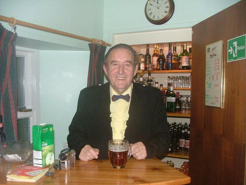 Jim Rendall, Papay Pub